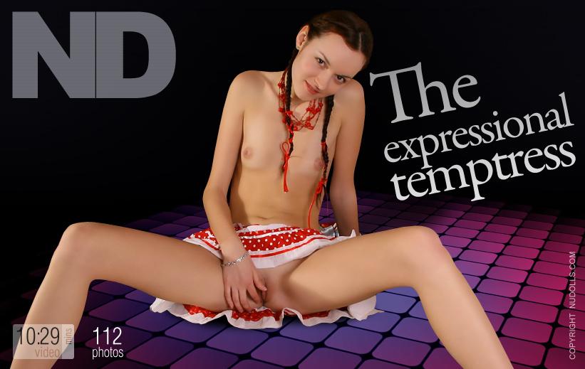 Expressional temptress